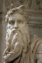 240px-'Moses'_by_Michelangelo_JBU310