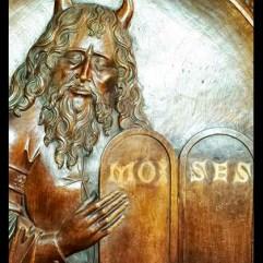 Moisés.-Sillería-de-coro-de-la-catedral-de-San-Salvador-de-Oviedo.-Obra-realizada-entre-1491-y-1497.